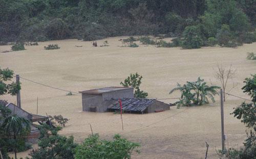 Các tổ chức tín dụng chủ động rà soát các khoản nợ vay nông nghiệp nông  thôn của người dân, doanh nghiệp bị thiệt hại do lũ lụt nghiêm trọng tại  các tỉnh phía Bắc, đặc biệt là các tỉnh bị thiệt hại nặng nề như Quảng  Ninh, Điện Biên, Lạng Sơn, Lai Châu - Ảnh: VnExpress.<br>
