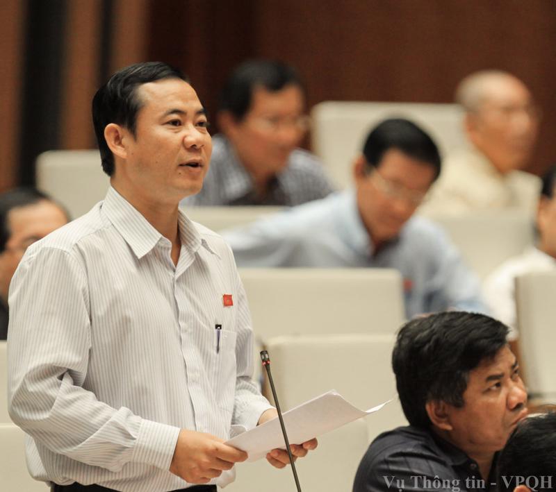 Đại biểu Nguyễn Thái Học cho rằng, quyền của Mặt trận được quy định trong dự án luật là tham gia xây dựng Đảng, muốn tham gia xây dựng Đảng tốt thì phải thực hiện chức năng giám sát.<br>