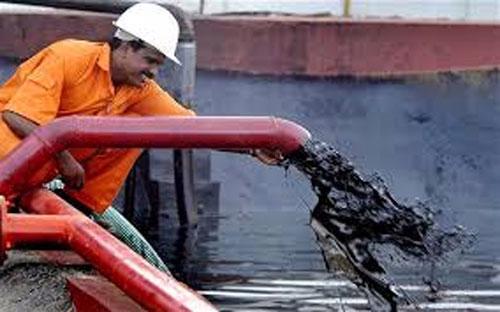 Hồi tháng 5, Saudi Arabia tăng sản lượng dầu lửa lên mức khoảng 10,3  triệu thùng/ngày, cao chưa từng có từ trước đến nay, trong bối cảnh nhu  cầu tiêu thụ dầu của thế giới đi lên.