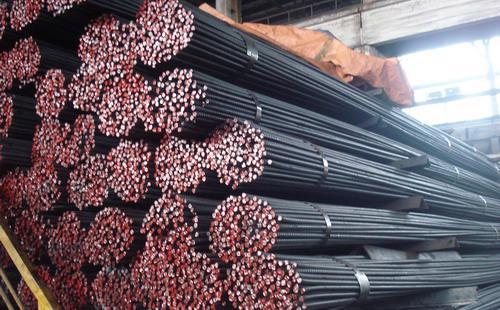 Tính trong 7 tháng đầu năm nay, tổng sản lượng thép của các thành viên hiệp hội thép đạt 3.646.205 tấn, tăng 28,2% so với cùng kỳ 2014, đây được đánh giá là mức tăng cao so với những năm gần đây. <br>