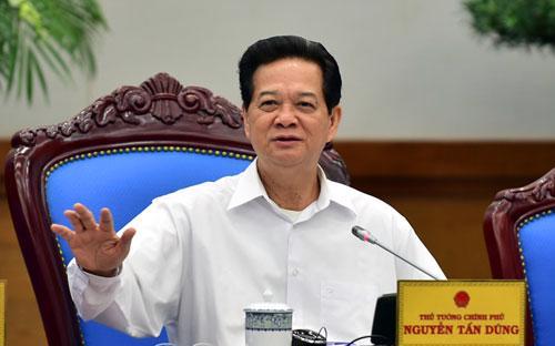 Thủ tướng cho rằng, nhiệm vụ hàng đầu hiện này vẫn là ổn định vĩ mô, ưu tiên gỡ khó cho doanh nghiệp.<br>