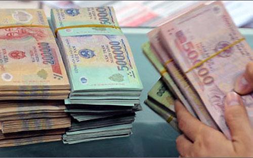 Từ năm 2003-2006, Ngân hàng Nhà nước thay đổi cơ cấu và loại tiền  trong lưu thông, bộ tiền polymer được phát hành và được đánh  giá có khả năng chống giả cao.