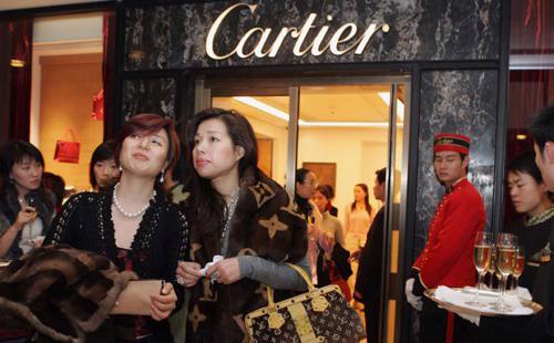 Thời gian tới, số lượng khách Trung Quốc đến Nhật sẽ còn tiếp tục tăng lên nhờ việc nới lỏng các điều kiện cấp thị thực, chính sách miễn thuế 8% dành cho khách du lịch - Ảnh: Nego Sentro.<br>