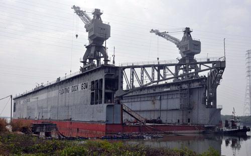 Ụ nổi 83M được Nga sản xuất từ năm 1965 nhưng vẫn được lãnh đạo Vinalines mua về với giá 9 triệu USD nhằm hợp thức hoá các sai phạm về kinh tế của mình.<br>