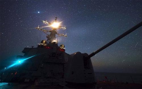 Khu trục hạm USS Ross của Mỹ - Ảnh: Hải quân Mỹ/BBC.<br>