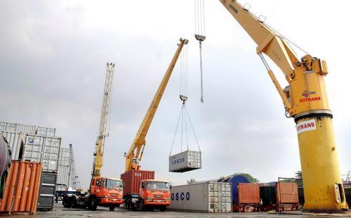 Xuất khẩu năm 2015 của Việt Nam được dự báo tăng trưởng 11,6% so với năm 2014, nhập khẩu tăng 15,8%. <br>