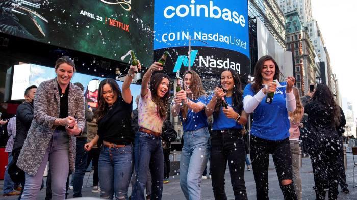 Cổ phiếu Coinbase bắt đầu giao dịch trên sàn Nasdaq từ ngày 14/4 - Ảnh: FT.