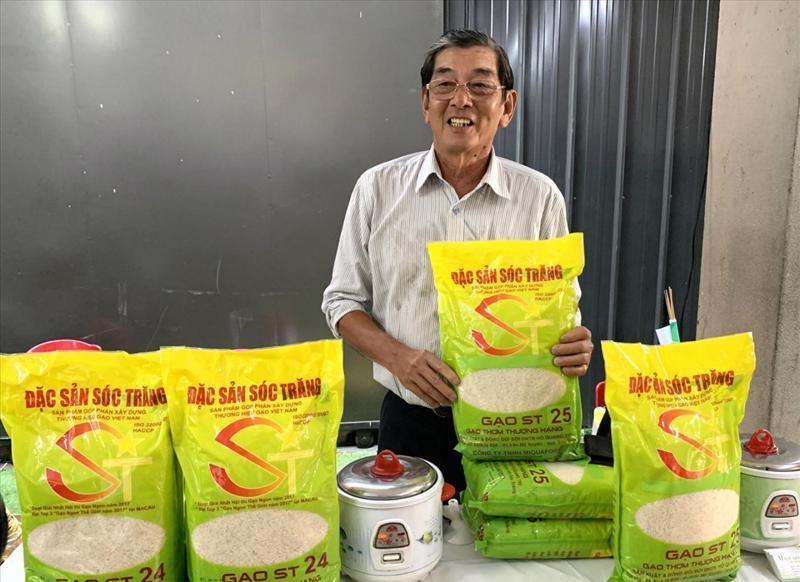 """Ông Hồ Quang Cua bên thương hiệu gạo ST25 """"ngon nhất thế giới"""""""