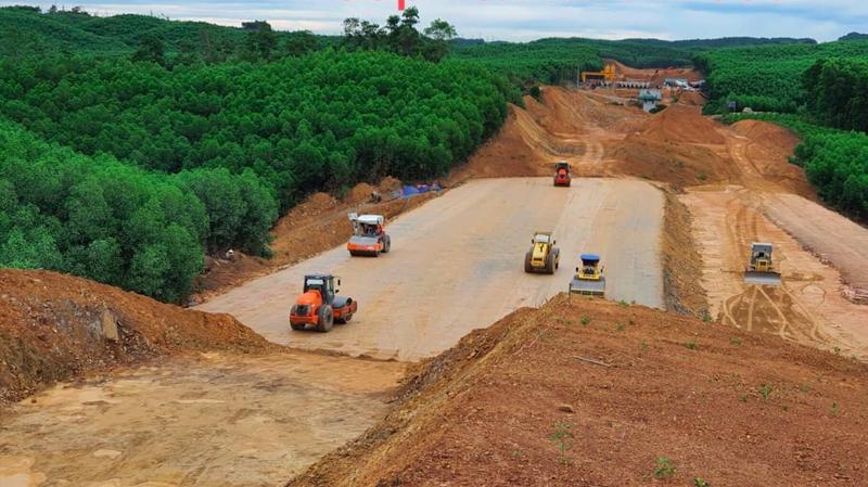 Cần có giải pháp tháo gỡ khó khăn đối với dự án cao tốc Bắc - Nam