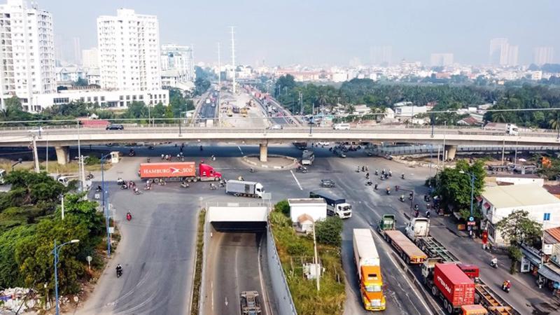 Tp.Hồ Chí Minh đang cố gắng giảm tải tình trạng ùn tắc giao thông (Ảnh sưu tầm)