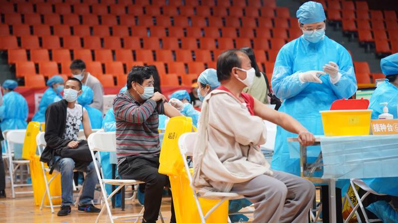 Một điểm tiêm phòng vaccine Covid-19 ở Côn Minh, tỉnh Vân Nam, Trung Quốc - Ảnh: TPG