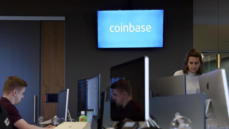 Coinbase hiện có 56 triệu người dùng đã được xác minh và có thêm khoảng 13.000 khách hàng lẻ mới mỗi ngày - Ảnh: Bloomberg