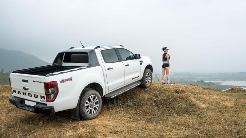 Mẫu xe bán tải Ford Ranger đã tăng tốc chóng mặt để nhảy lên đỉnh với doanh số 2.171 chiếc.