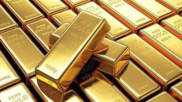 Lực mua ồ ạt đẩy giá vàng lên mức cao nhất mọi thời đại 2.072,5 USD/oz vào tháng 8/2020, và kết thúc năm ở vùng giá khoảng 1.900 USD/oz, tăng xấp xỉ 25% trong cả năm.