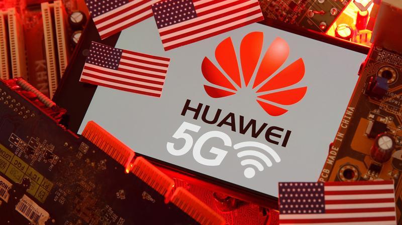Huawei điêu đứng vì các lệnh cấm vận của Mỹ từ năm 2019 - Ảnh: Reuters