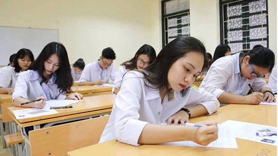 Không tăng học phí nhằm giảm gánh nặng về tài chính đối với phụ huynh và học sinh