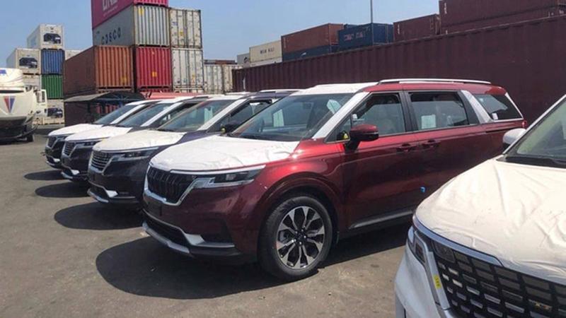 Lô xe Kia Sedona 2021 vừa bất ngờ cập cảng Việt Nam.