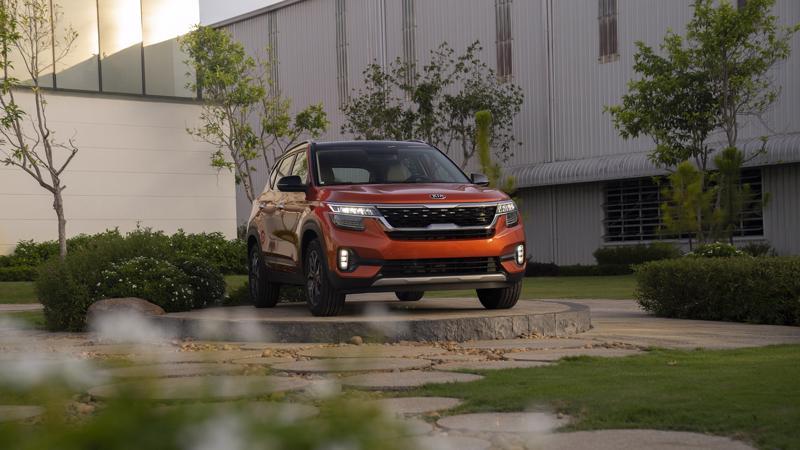 Kể từ khi ra mắt thị trường đến nay, Kia Seltos thường xuyên nằm trong nhóm 10 mẫu xe ô tô được người Việt ưa chuộng nhất.