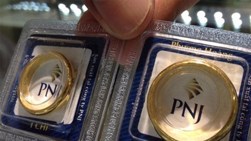 Doanh thu quý 1/2021 của PNJ tăng 43,3% so với cùng kỳ là tăng đều ở các kênh sỉ và lẻ.
