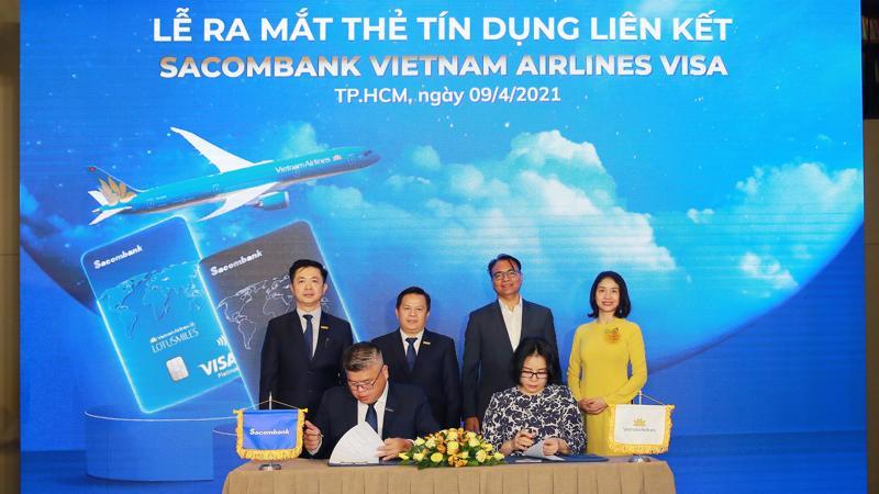 Không chỉ là nguồn tài chính dự phòng và công cụ thanh toán hiện đại, thẻ tín dụng liên kết này còn tích hợp thêm nhiều đặc quyền vượt trội, dành riêng cho những khách hàng thường xuyên sử dụng dịch vụ bay của Vietnam Airlines.