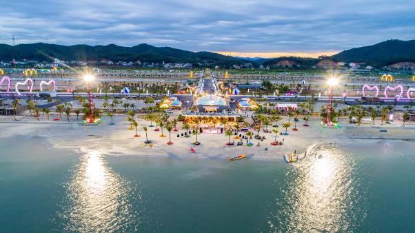 Khu đô thị Phương Đông trở thành biểu tượng thành phố ánh sáng khi đêm xuống tại Vân Đồn.