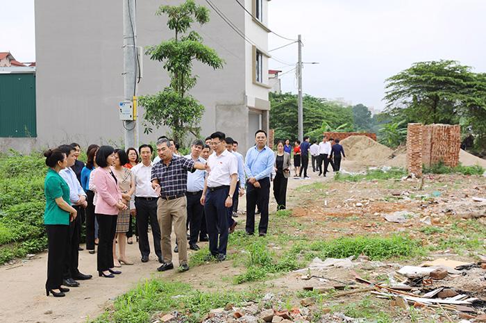 Đoàn giám sát đã đi khảo sát thực tế tại Dự án khu nhà ở cho cán bộ cao cấp Bộ Công an.