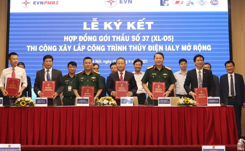 Lễ ký kết hợp đồng thi công xây lắp công trình nhà máy thủy điện Ialy mở rộng