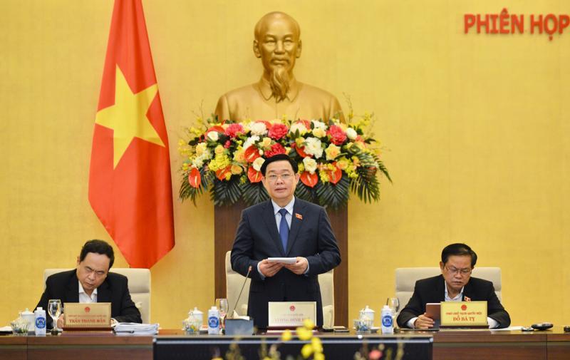 Chủ tịch Quốc hội Vương Đình Huệ tại phiên họp 55 của Ủy ban Thường vụ Quốc hội ngày 27/4 - Ảnh: Quochoi.vn