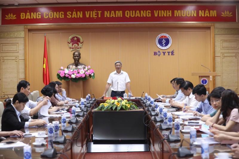 Thứ trưởng Bộ Y tế Nguyễn Trường Sơn phát biểu tại Hội nghị