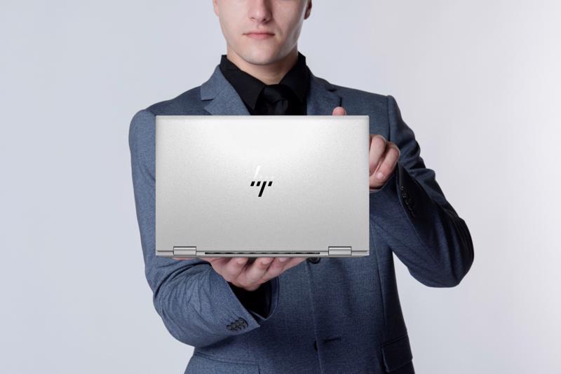 HP EliteBook x360 1030/1040 G8 đang có mặt trên thị trường với nhiều tùy chọn cấu hình và mức giá bắt đầu từ 43.990.000đ.