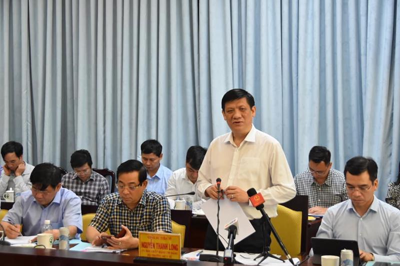 Bộ trưởng Bộ Y tế Nguyễn Thanh Long nhấn mạnh: Bộ Y tế sẽ hỗ trợ ngay tỉnh Vĩnh Long về công tác xét nghiệm, đồng thời lưu ý tỉnh không được chủ quan, lơ là trong công tác phòng chống dịch Covid-19