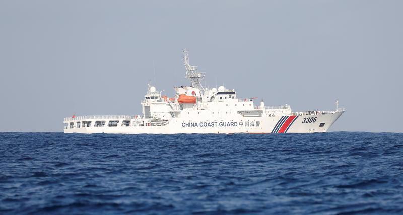 Cảnh sát biển của Trung Quốc trên Biển Đông - Ảnh: Reuters