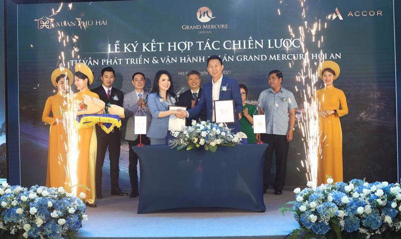 Lễ kỳ kết hợp tác chiến lược giữa Công ty Cổ phần Đầu tư và Xây dựng Xuân Phú Hải với Tập đoàn Accor.