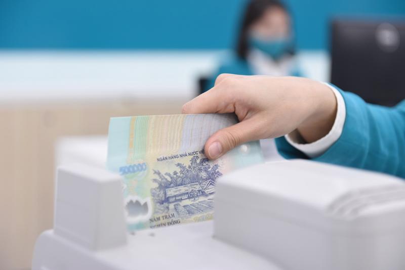 Ngân hàng Nhà nước sẽ tiếp tục kiểm soát chặt dòng tiền cho vay trong lĩnh vực chứng khoán và bất động sản.