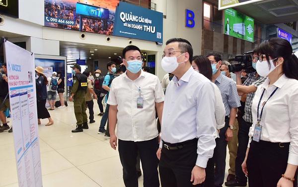 Chủ tịch UBND Thành phố Hà Nội Chu Ngọc Anh kiểm tra công tác phòng, chống dịch Covid-19