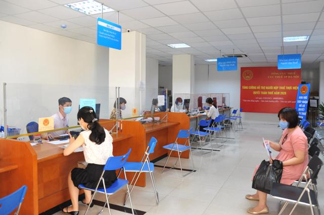 Bộ phận Một cửa, Văn phòng Cục Thuế TP Hà Nội sáng ngày 4.5