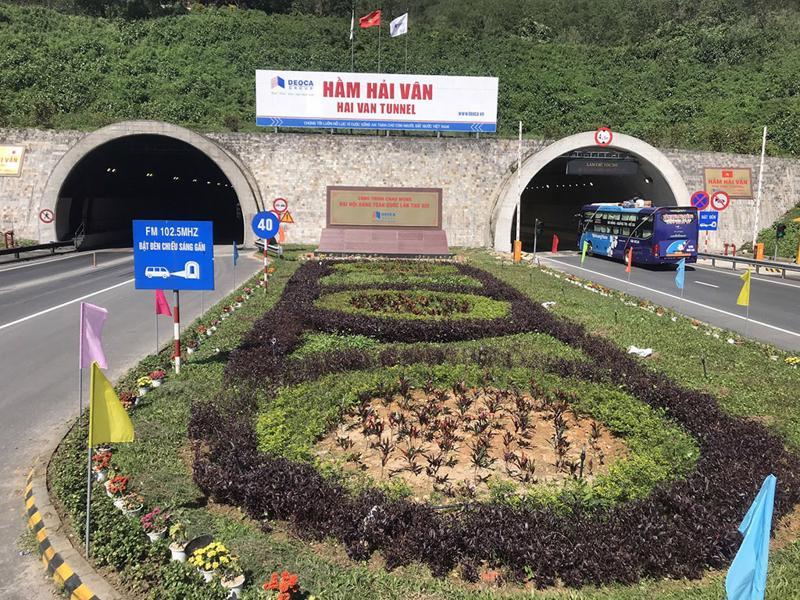 Hầm đường bộ Hải Vân đang vận hành lưu thông hai chiều cả 2 hầm từ ngày 1/2/2021 đến nay