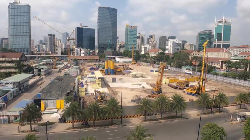 Công trình đang xây dựng của Sun Tower, nằm trong khu phức hợp Grand Marina, Saigon.