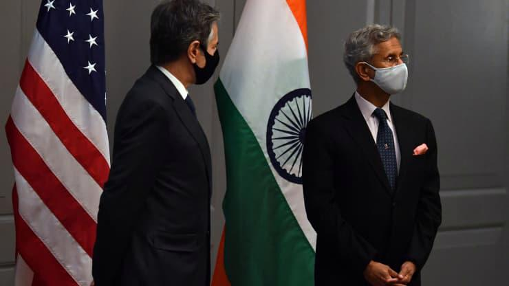 Ngoại trưởng Mỹ và Ngoại trưởng Ấn Độ trong một cuộc họp báo chung ở London hôm 3/5 - Ảnh: Getty/CNBC.
