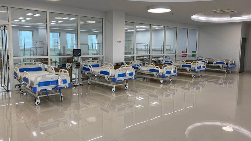 Không chỉ giường bệnh, các trang thiết bị, máy móc cũng được chuẩn bị kỹ càng