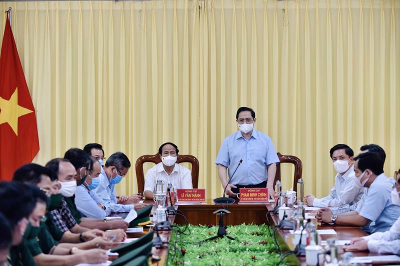Thủ tướng Phạm Minh Chính tại cuộc họp khẩn với các tỉnh biên giới phía Tây Nam - Ảnh: VGP