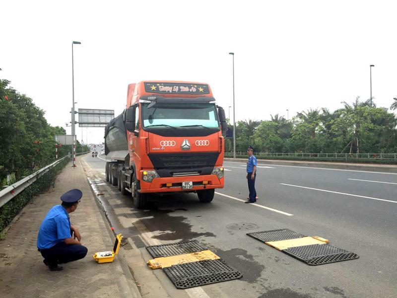 Xe quá tải đang tăng trở lại trên một số quốc lộ, đường đô thị và đường địa phương.