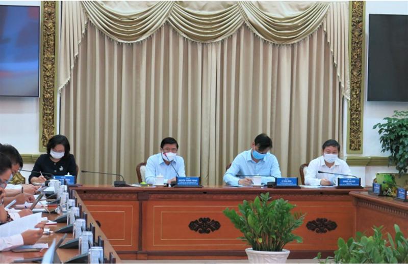 Thường trực UBND TPHCM chủ trì phiên họp.