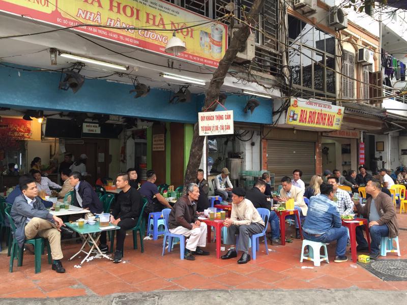 Hà Nội tạm dừng hoạt động các nhà hàng bia, quán bia, bia hơi.