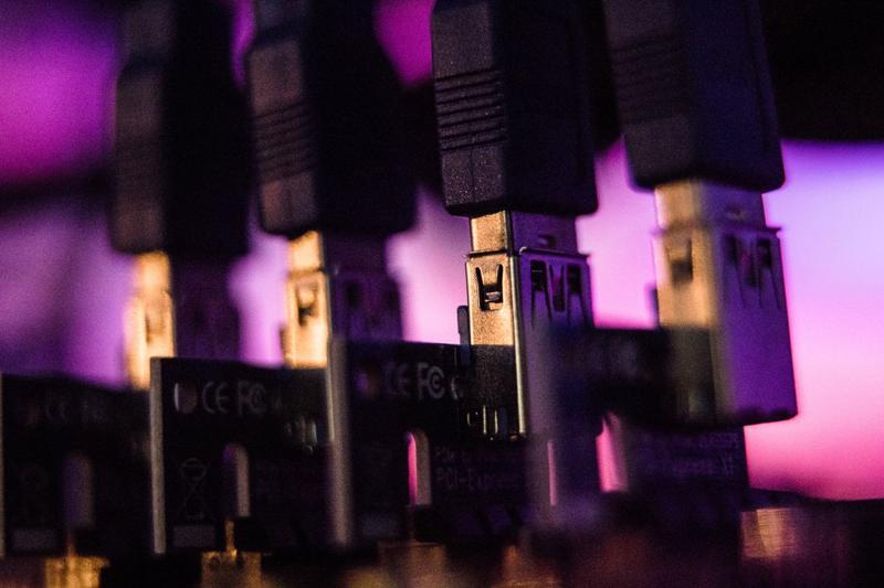 ĐồngInternet Computer giao dịch ở mức giá 370,3 USD - Ảnh: Bloomberg