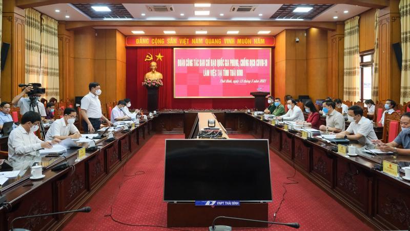 Toàn cảnh buổi làm việc của đoàn công tác Bộ Y tế và Ủy ban nhân dân tỉnh Thái Bình về công tác phòng chống Covid-19.