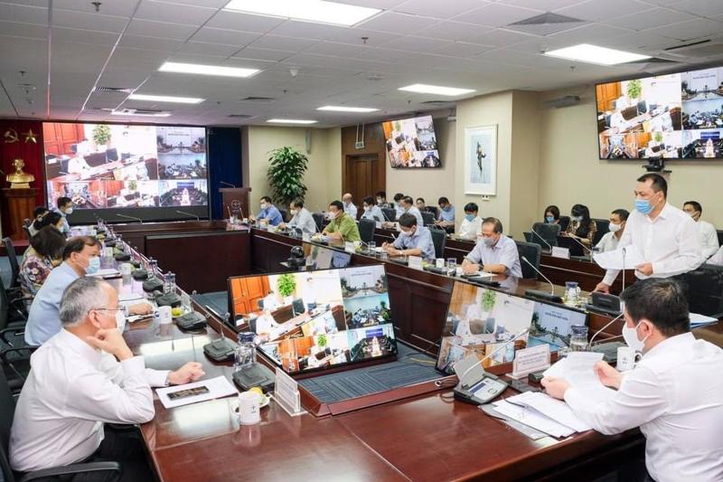 Bộ Công Thương họp trực tuyến với 63 tỉnh thành về tăng cường công tác phòng chống dịch Covid-19 trong các cơ sở công nghiệp và thương mại.