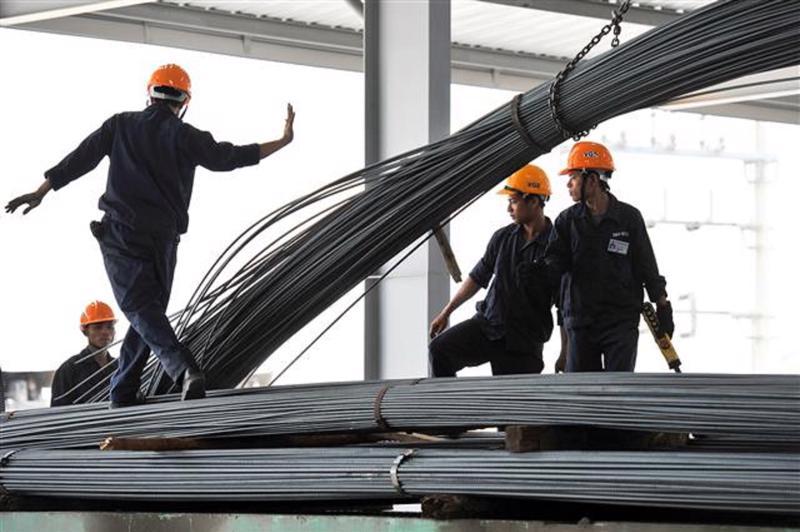 Bộ Công Thương yêu cầu các doanh nghiệp sản xuất, kinh doanh thép áp dụng các biện pháp nhằm giảm giá thép.