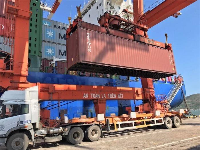 Vi phạm xếp hàng quá tải tại cảng biển có thể bị phạt đến 20 triệu đồng