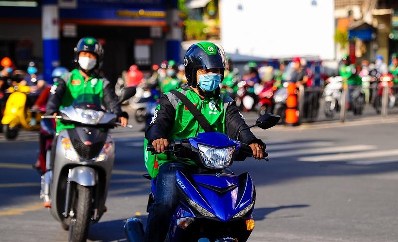 Lãnh đạo Gojek Việt Nam cũng cho biết hãng sẽ triển khai dịch vụ gọi xe ô tô và thanh toán thẻ không dùng tiền mặt trong năm 2021, bắt đầu tại thị trường Tp.HCM.
